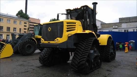 Трактор-тягач К-744Р
