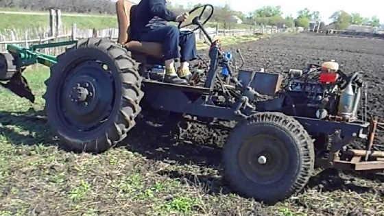 Самодельный трактор: пахота