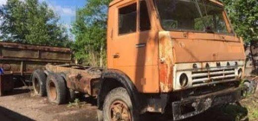 Старый КАМАЗ 551 восстановил до идеального состояния