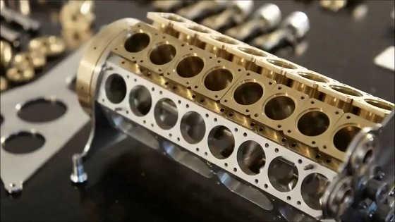 Самый маленький в мире 32-цилиндровый двигатель