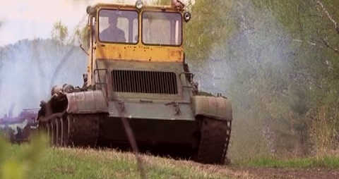 В суровой Сибири пашут на танках