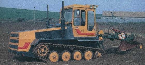 Сделали трактор из БМП 1
