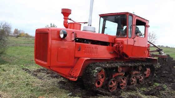 """Трактор ДТ-175 с """"Волгарь"""