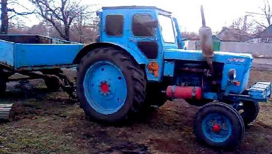 Т-40 1976 года тащит арбу