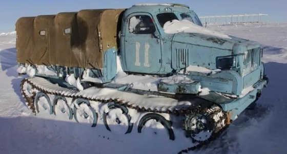 Советские вездеходы на северном холоде