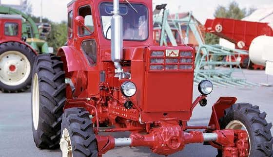 Советский труженик села и леса Трактор - Т-40