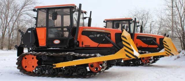 Гусеничный трактор ВТГ-90
