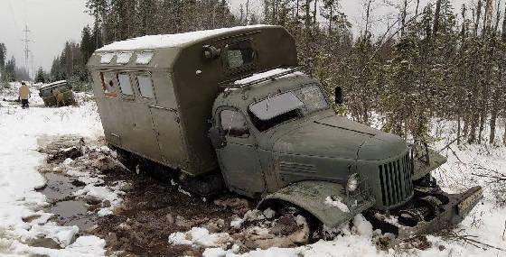 ЗИЛ-157 и ГАЗ-66 на бездорожье