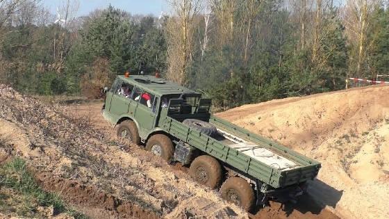 Полноприводные грузовики по БЕЗДОРОЖЬЮ