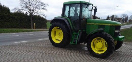 трактор John Deere 6900