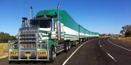 Грузовые автопоезда в Австралии