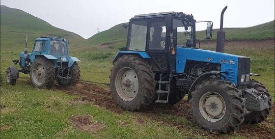 Трактор Беларус 1221 против МТЗ 82