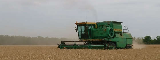 Уборка пшеницы на ДОН-1500Б