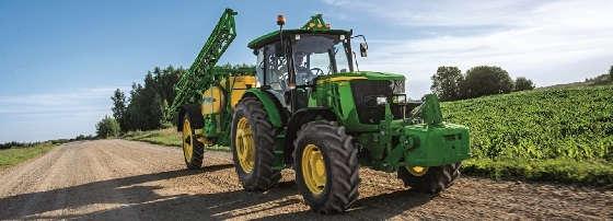 Трактор John Deere 6135B