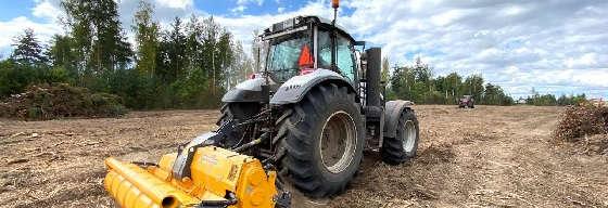Трактор VALTRA T234 с ротоватором MERICRUSHER MJS-241STG
