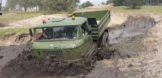 Полноприводные армейские грузовики
