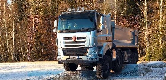Полноприводные грузовики TATRA 8x8, MAN 6x6, MERCEDES-BENZ 10x8 на бездорожье
