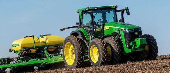 Трактор JOHN DEERE 8R 230