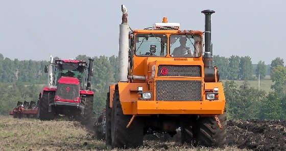 Тракторы Кировец с оборотными плугами ППО-8-35 PERESVET и Gregoire Besson SPB9