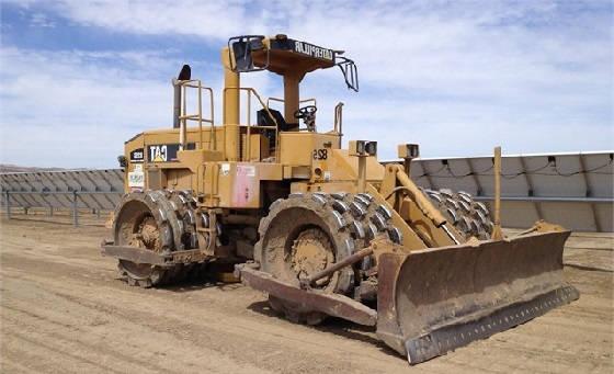 CAT 825C