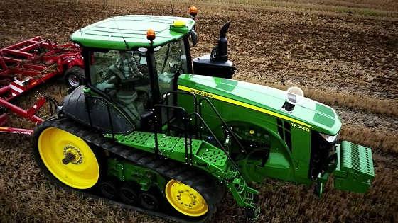 Гусеничный трактор John Deere 8RT
