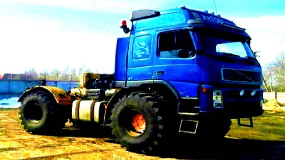 Кировец К-700 скрестили с грузовиком VOLVO