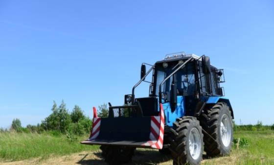 Лесной трактор МУЛ-82.2