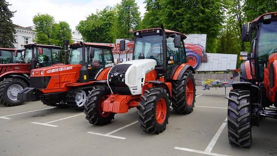 Новая модель трактора Беларус 1222.3