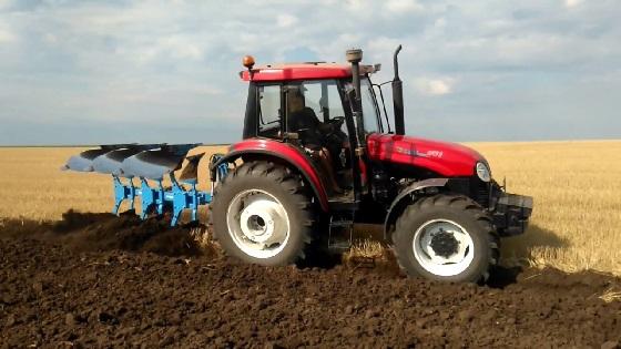 трактор YTO X 904